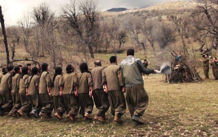 Οι αντάρτες γιορτάζουν το Νεβρόζ στο Κουρδιστάν