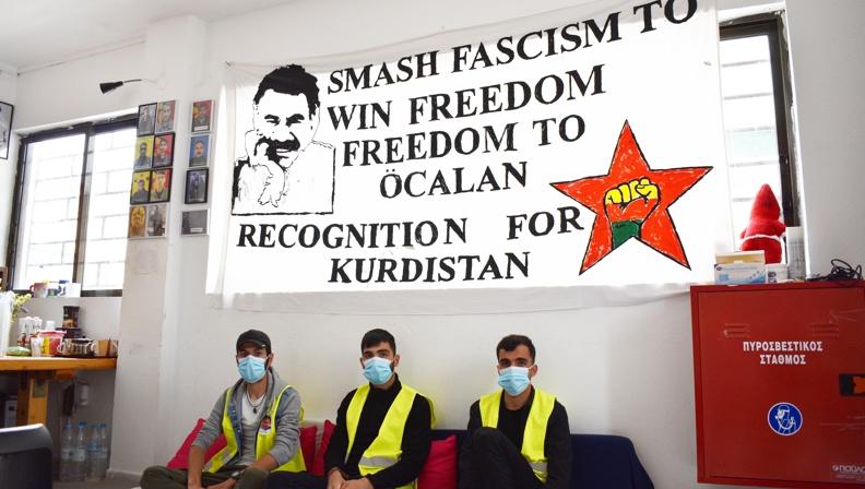 Οι Κούρδοι πρόσφυγες στο Λαύριο συμμετέχουν στην απεργία πείνας για τα δικαιώματα των φυλακισμένων και την απελευθέρωση του Οτσαλάν