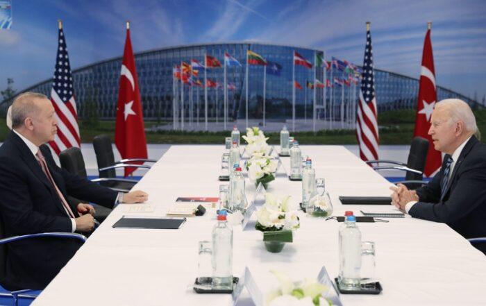 Ο Ερντογάν θέλει το NATO συνένοχο στα εγκλήματα της Τουρκίας