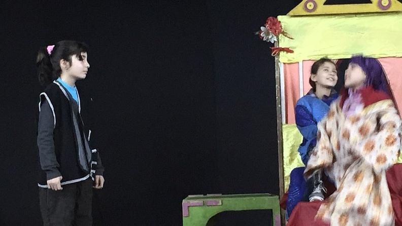 Βορειοανατολική Συρία: Εκτοπισμένα παιδιά από το Αφρίν ανεβάζουν θεατρική παράσταση