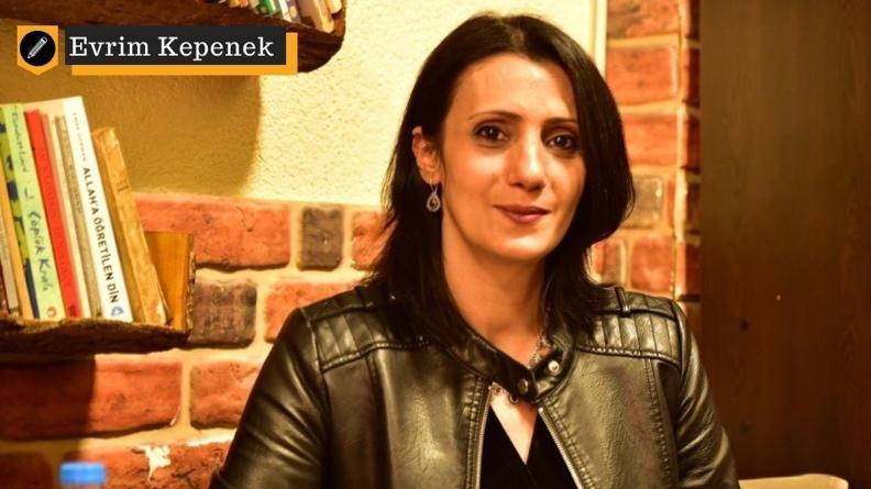 Η κούρδισσα συγγραφέας Meral Şimşek βασανίστηκε με γυμνή σωματική εξέταση από αστυνομικούς στην Ελλάδα