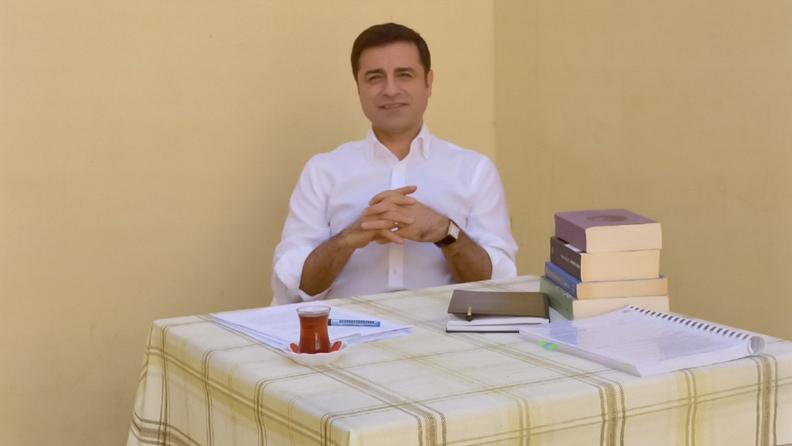 Ο φυλακισμένος Σελαχατίν Ντεμιρτάς έλαβε το βραβείο Ανθρωπίνων Δικαιωμάτων της Βαϊμάρης
