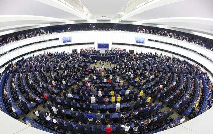 Το Ευρωπαϊκό Κοινοβούλιο καταδίκασε την καταστολή της αντιπολίτευσης στην Τουρκία