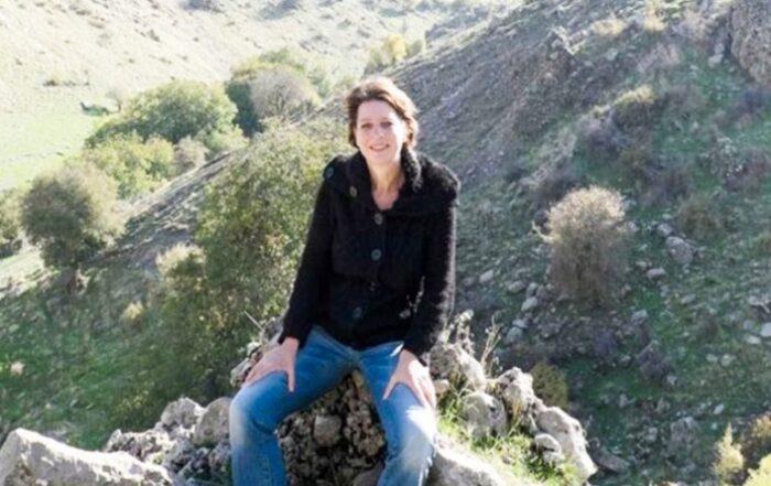Frederike Geerdink: «Ο Ερντογάν ουσιαστικά θέλει να καταστρέψει το κουρδικό κίνημα»