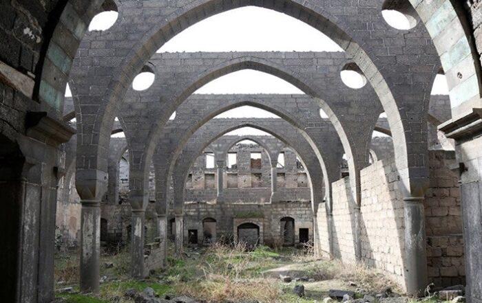 Ντιγιαρμπακίρ: Η αρμενική εκκλησία Surp Sarkis στα πρόθυρα της κατάρρευσης