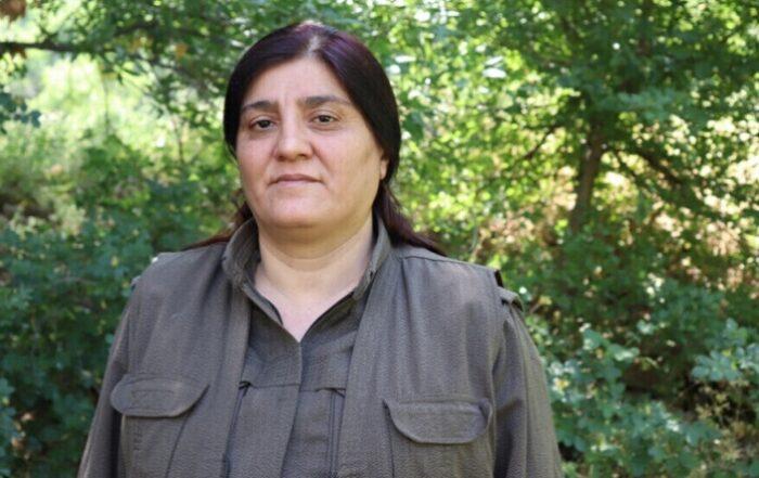 Κούρδισσα αντάρτισσα: Οι γυναίκες πρέπει να αναπτύξουν τις δικές τους δομές οργάνωσης