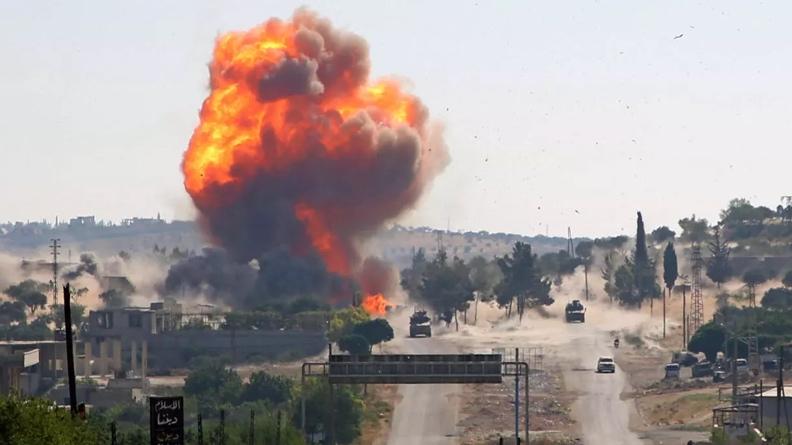 Μόσχα: Βομβαρδίζει τις φιλοτουρκικές μονάδες στην Συρία με θερμοβαρικές βόμβες-Αποχωρούν ΗΠΑ