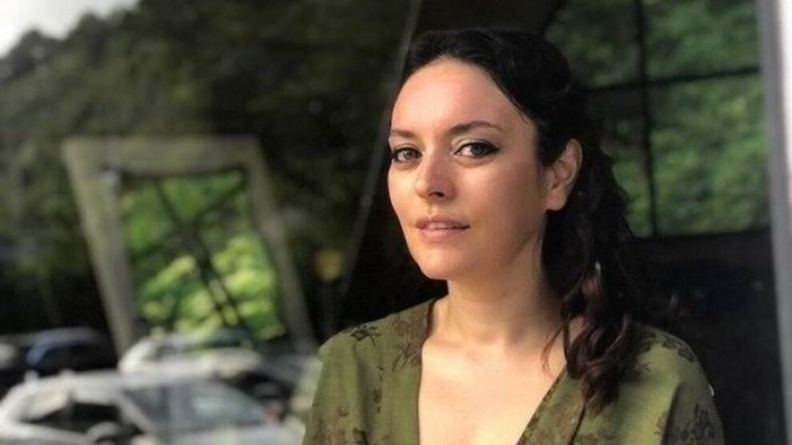 Πρόστιμο στην ηθοποιό Εζγκί Μολά για «προσβολή» ενός βιαστή στρατιώτη